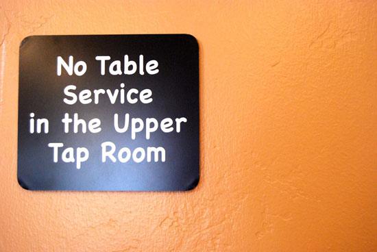 30-11_no_table_service